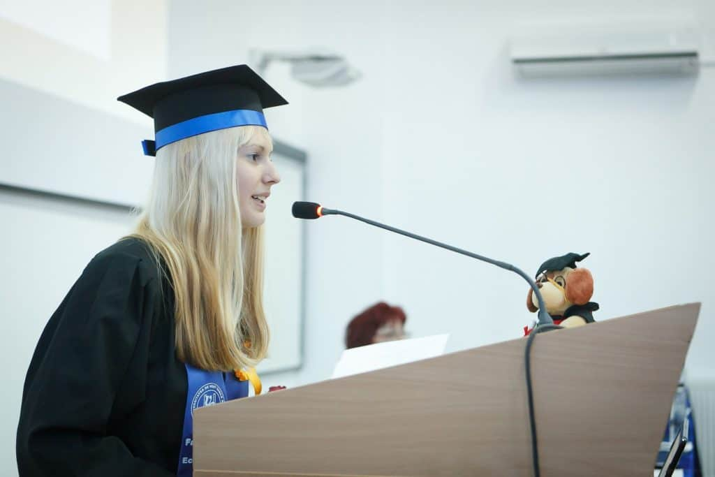 Professional Speaking Skills- Learn The Tricks To Improve