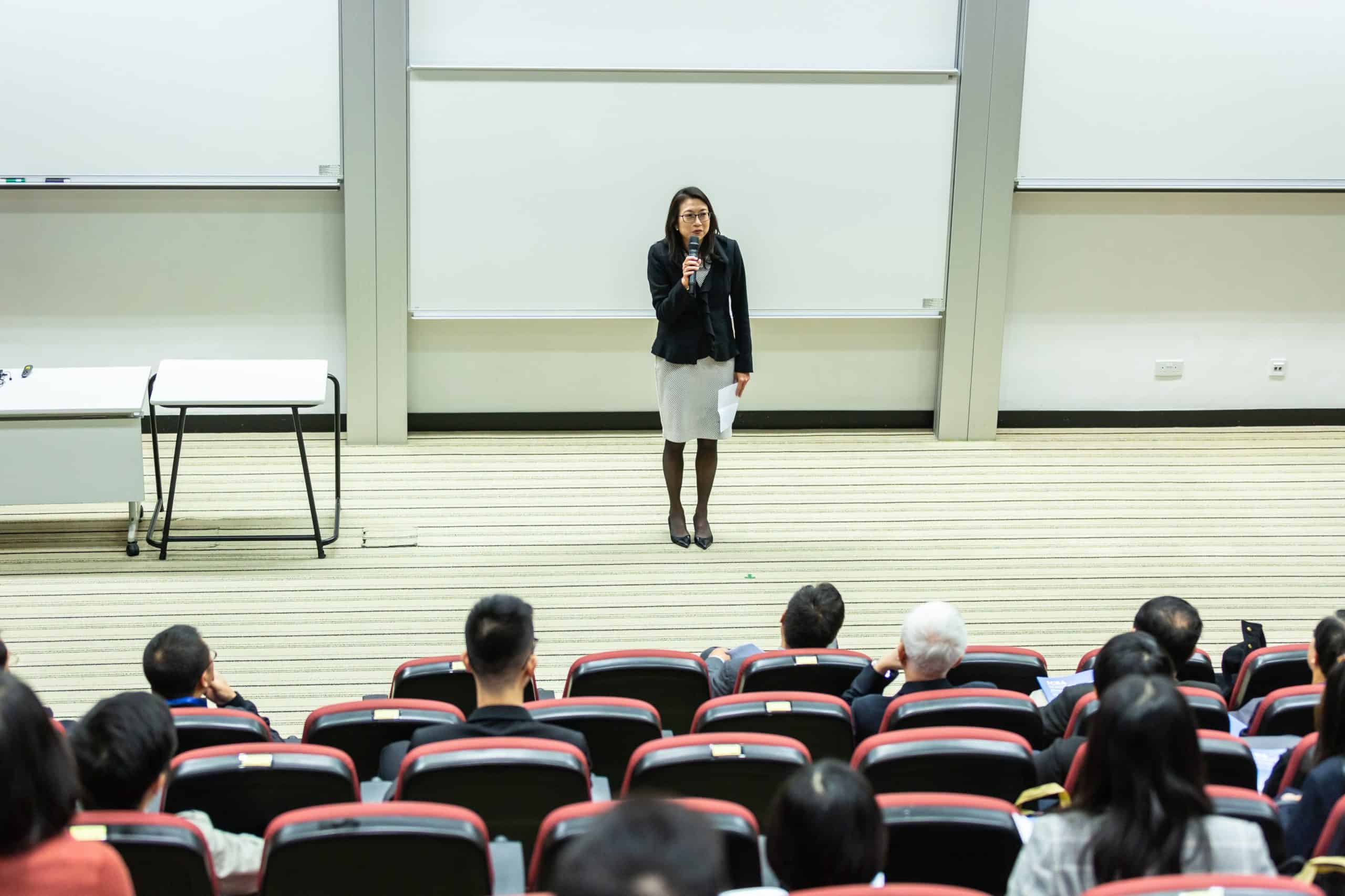 Improve Your Oratory Skills And Make You Great Speaker